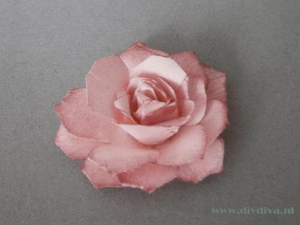 Moederdag: maak een papieren roos