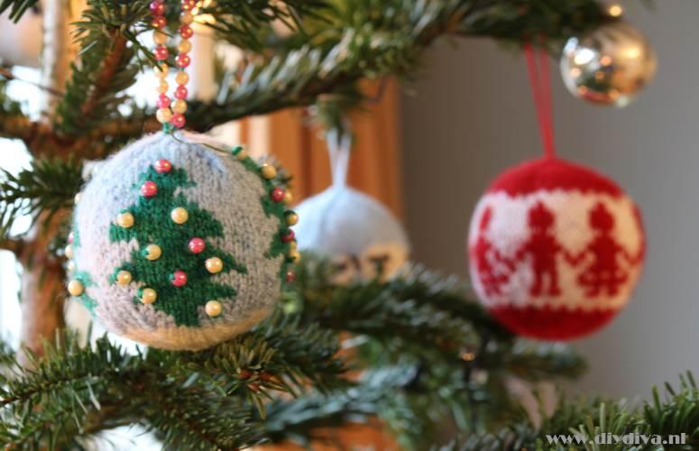 zelfgebreide kerstbal uitleg diydiva