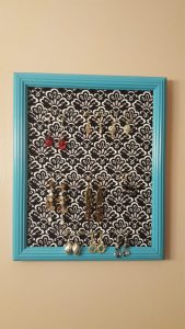 finished earring rack