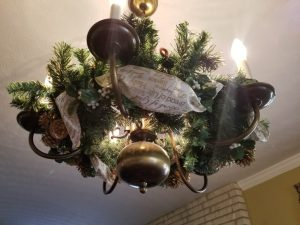 20171126_142406 chandelier wreath
