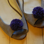 DIY Pompom Shoe Clips