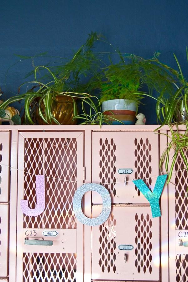 DIY JOY Holiday Banner/Garland