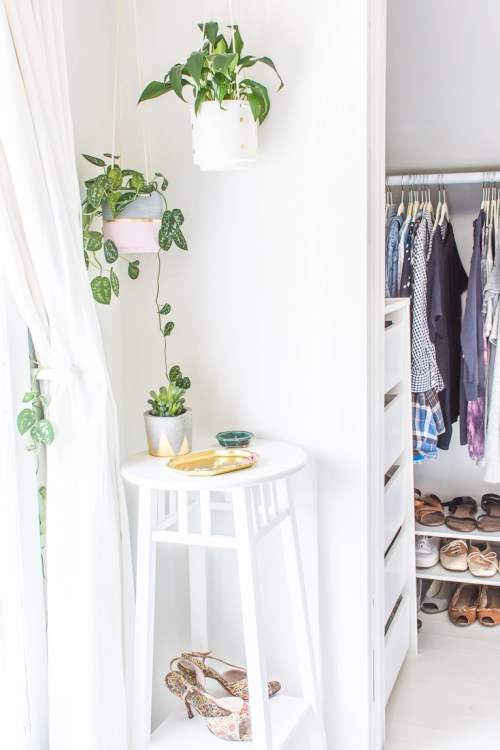 DIY walk-in closet makeover