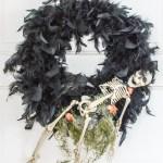 Creepy DIY Halloween Wreath