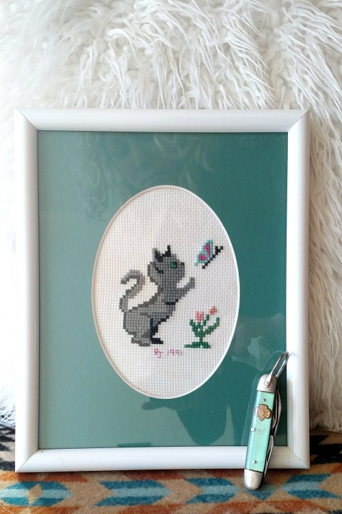 cat cross-stitch