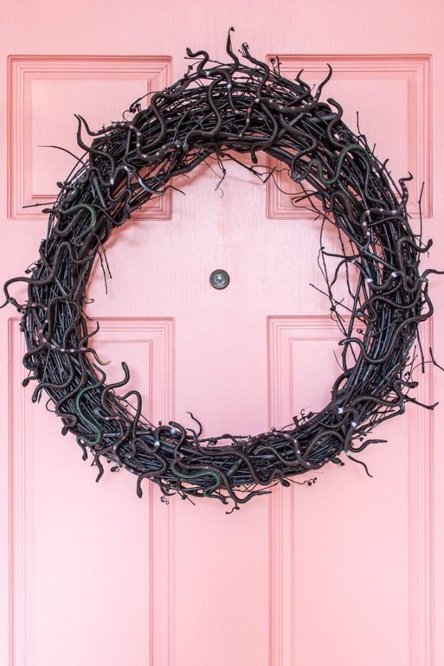DIY Halloween Snake Wreath