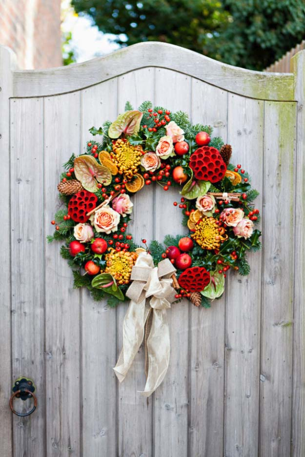 DIY Holiday Wreaths Make Awesome Homemade Christmas Decorations for Your Front Door | Cool Crafts and DIY Projects by DIY JOY | All Time Favorite Traditional Christmas Wreath | http://diyjoy.com/diy-christmas-decorations-wreaths
