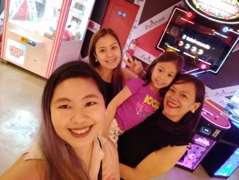 Cousins Wefie Taken with Asus Zenfone 4 Selfie