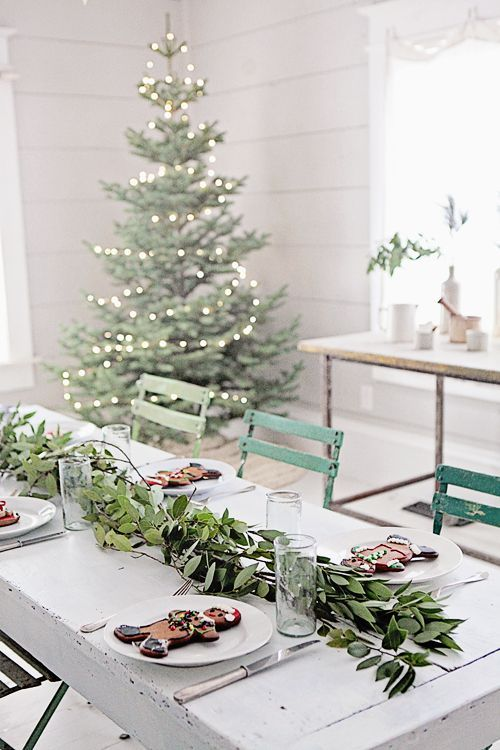 un centre de table vegetal pour decorer la table de noel et apporter une amb