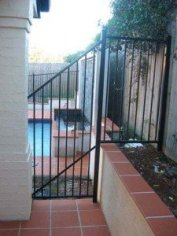 Special panel flat top pool fence