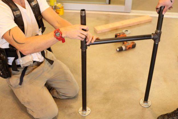 Terminar de construir la pierna | Tabla de la pierna de la pipa DIY | Planes de banco de trabajo y tutorial de muebles rústicos
