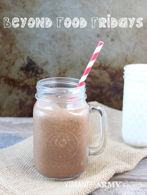 Easy and Delicious Detox Smoothie Recipe | www.diyprojects.com/13-detox-smoothies-proven-to-boost-your-energy/