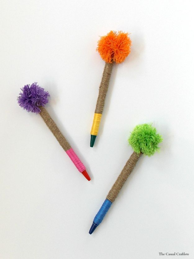 Pom Pom Pens | DIY Teacher Gifts To Ring In The New School Year
