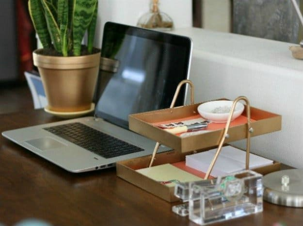 DIY Paper Holder | Nifty DIY Desk Organizer Ideas To Keep You Productive