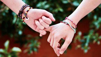 Feature | DIY friendship bracelet | Cool DIY Bracelets
