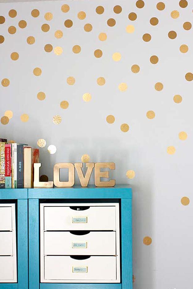 Gold Brown White Bedroom Scheme Modern Interiors Design With Glittering Golden Shine