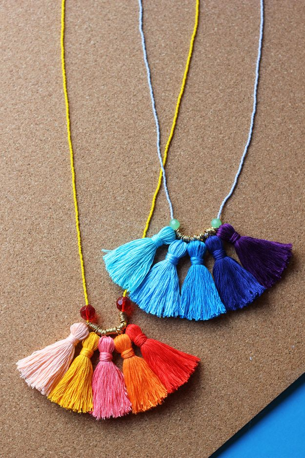 Cool Summer Fashions for Teens - DIY Ombre Tassel Necklace - Easy Sewing Projects and No Sew Crafts for Fun Fashion for Teenagers - DIY Clothes, Shoes and Accessories for Summertime Looks - Cheap and Creative Ways to Dress on A Budget http://diyprojectsforteens.com/diy-summer-fashion-teens
