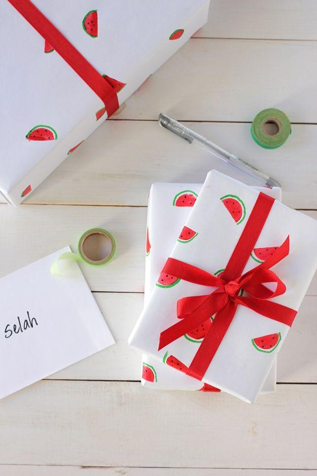 Watermelon Crafts - Handgeschilderd watermeloen inpakpapier - Eenvoudige doe-het-zelf ideeën met watermeloenen - Leuke knutselprojecten die coole doe-het-zelf geschenken maken - Wanddecor, Slaapkamerkunst, Sieradenidee