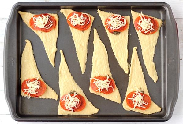 Pepperoni Pizza Crescent Rolls