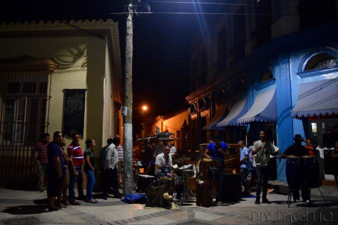 Street organ performance Bayamo