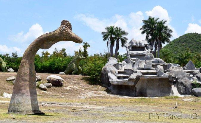 Dinosaurs in Parque Bacanao