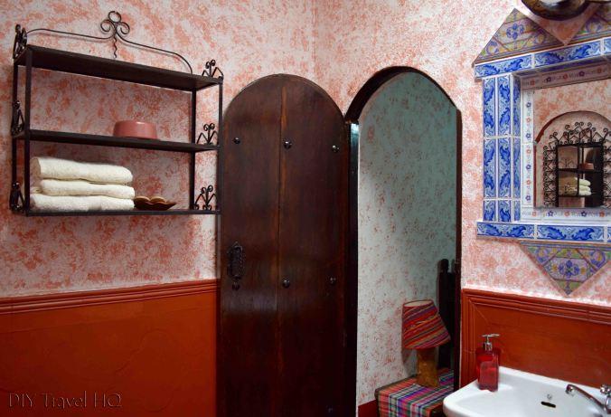 Posada Belen Museo Inn Bathroom Rack