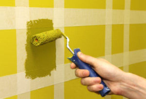 покраска стен в кухне валиком