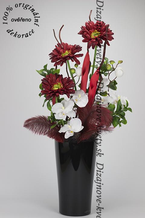 Štýlová kvetinová dekorácia vo váze Lechuza s červenými kvetmi gerber