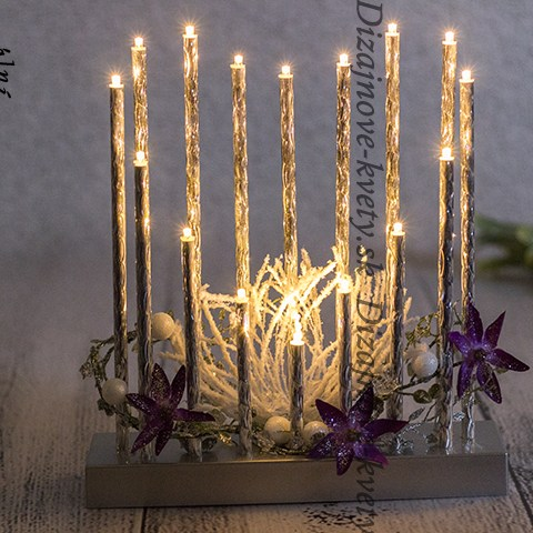 Luxusný vianočný svietnik v tvare srdca.