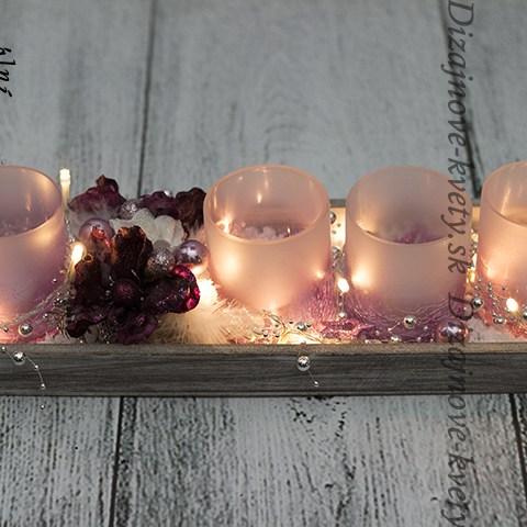svietnik na čajové sviečky na dreve.