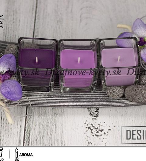 Dekorácia na stôl vo fialovej farbe