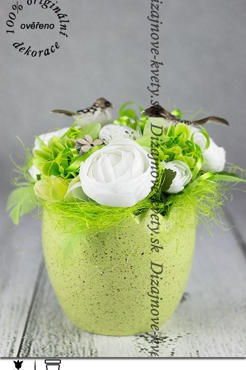 Jarná trvanlivá dekorácie v zelenej farbe