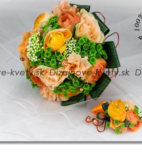 Kytica pre nevestu s ružami a pivóniou v oranžových sviežich tónoch