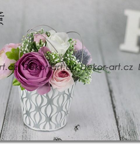 Dizajnová kvetinová dekorácia v Vintage štýle