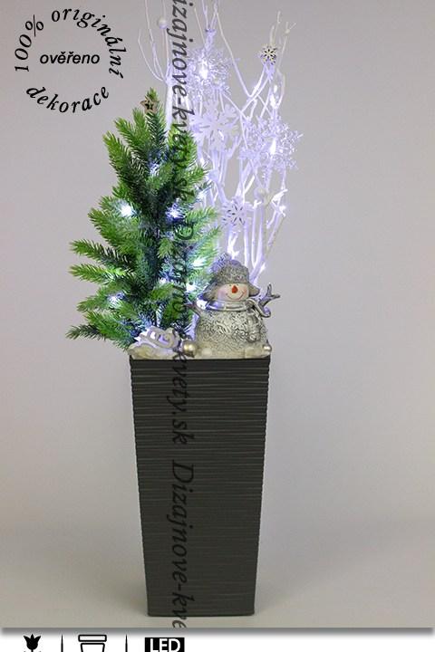 Luxusná LED dekorácie s krásnym snehuliakom a vianočným stromčekom