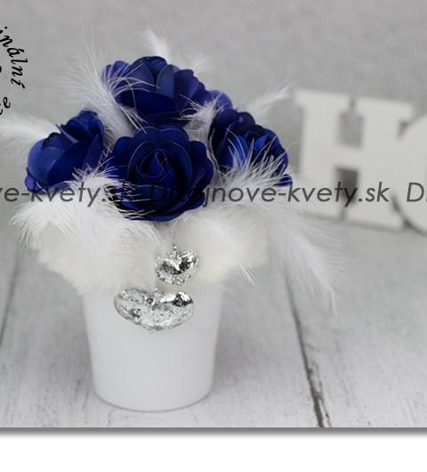 modré ruže, bytová dekorácia, strieborný šperk, srdce, biele perie
