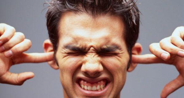 tappati-le-orecchie