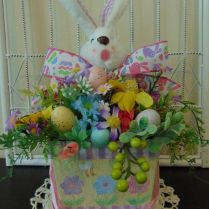 40+ What You Don't Know About Beautiful Easter Decoration Ideas 238