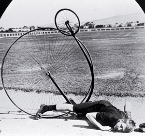 penny-farthing-crash.jpg-300