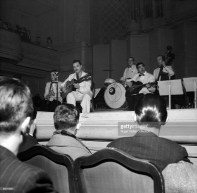 Django, Joseph Reinhardt (gtr), Hubert Rostaing (cl), Pierre Fouad (drms), Tony Rovira (bass) Salle Gaveau 1940