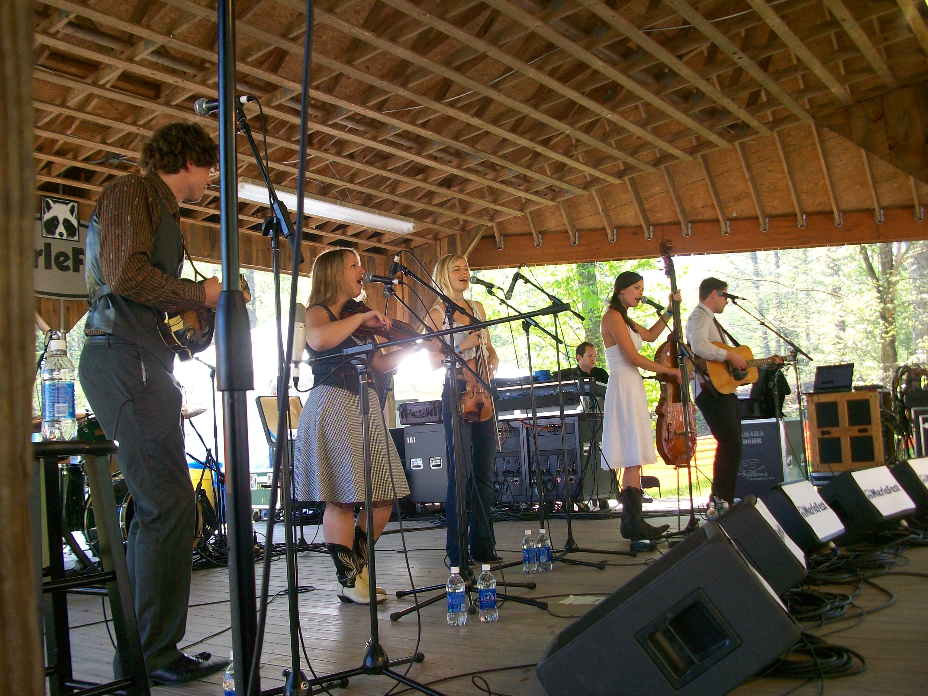 Bearfoot at the Creekside Stage