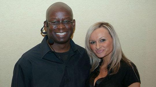 Nikki Dvorecky works with celebrity DJ Carl©
