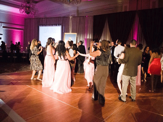 Dancing at a DJ Carl© wedding