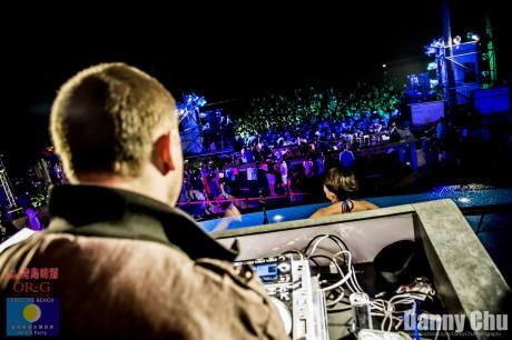 DJ Chamber - Crowd Shot (Colour) - Danny Chu Freelance Photojournalism.jpg