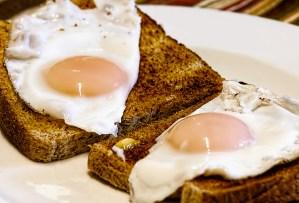 fried-eggs-breakfast-toast-food-50600