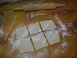 1 cutting dough