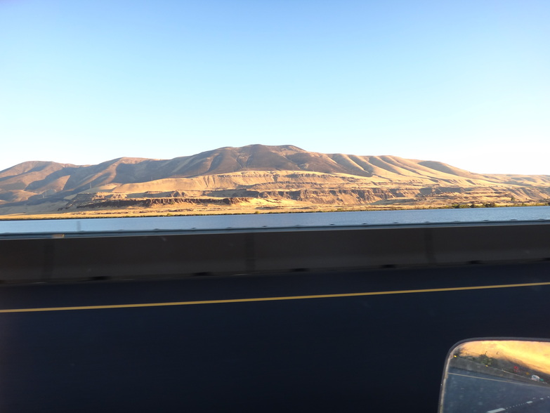 Photo of rolling hills along the Columbia River.