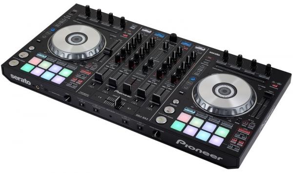 DJ Jule Hamburg Technik für Ihr Event