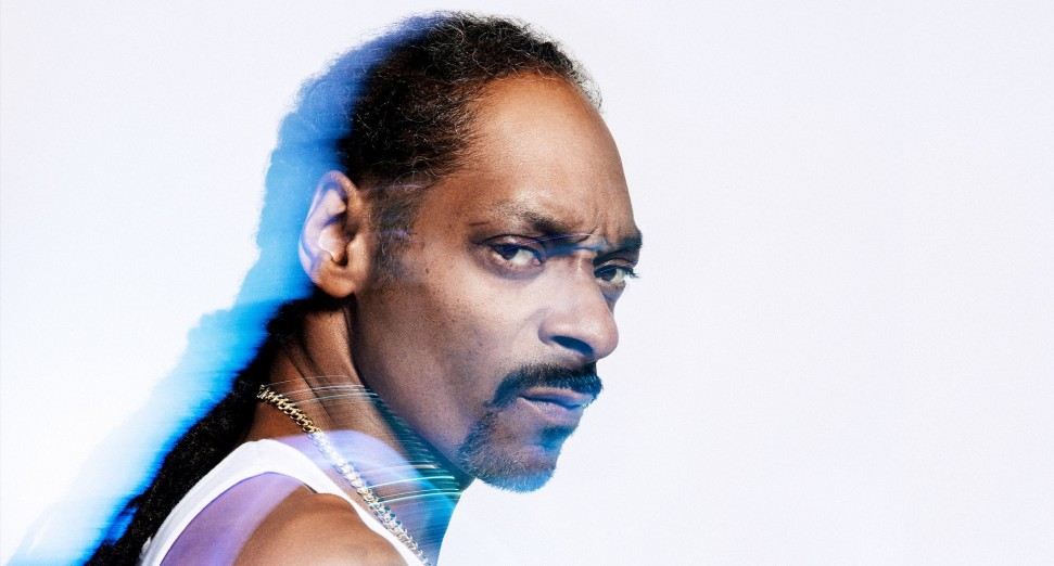 New Video Alert: Snoop Dogg – Gang Signs (feat. Mozzy) [Expicit] 5/7/21