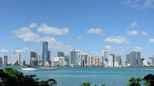 1024px-Miami_skyline_from_rusty_pelican_1.jpeg